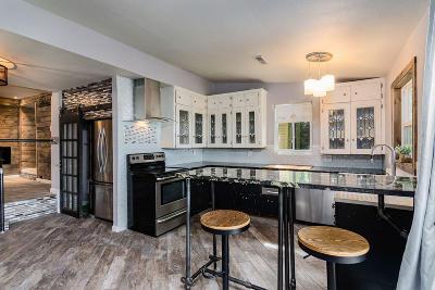 Forsyth Single Family Home For Sale: 594 Catfish Street
