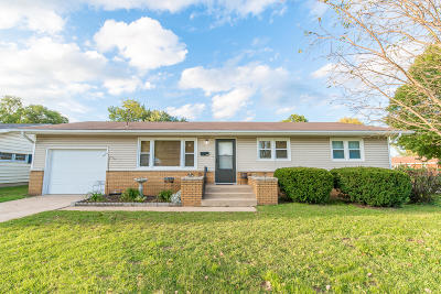 Springfield MO Single Family Home For Sale: $109,900