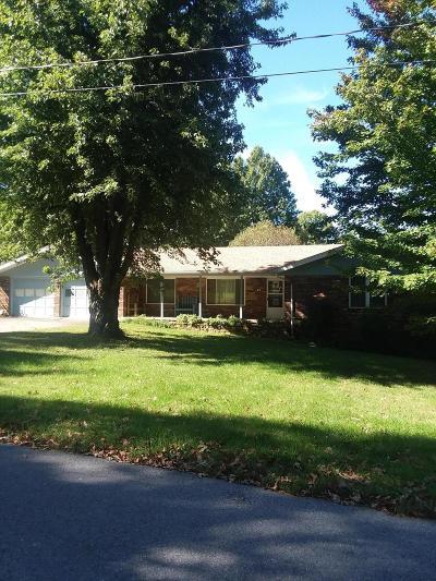 Monett Single Family Home For Sale: 945 East Crestwood Dr.
