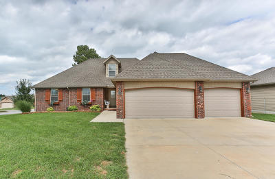 Springfield Single Family Home For Sale: 4845 West Shayla Court