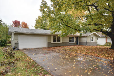 Springfield Single Family Home For Sale: 1271 East Woodland Street