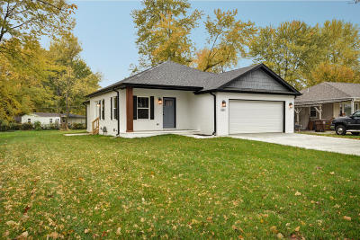 Springfield MO Single Family Home For Sale: $149,977