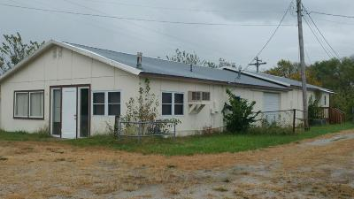 El Dorado Springs Single Family Home For Sale: 3175 South Hwy 32