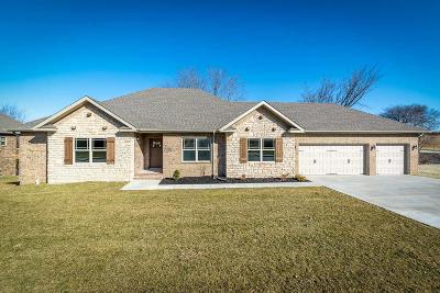 Ozark Single Family Home For Sale: 2301 East Parkview Avenue