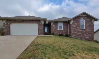 Ozark MO Single Family Home For Sale: $229,000