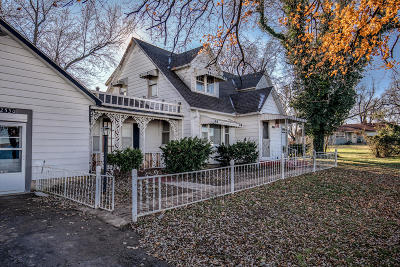 Bolivar Single Family Home For Sale: 2530 West Broadway 2 Street