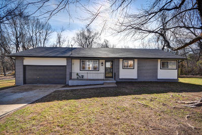 Springfield Single Family Home For Sale: 3528 East Fruitwood Lane