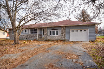 Strafford Single Family Home For Sale: 316 North Dogwood Street
