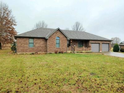 El Dorado Springs Single Family Home For Sale: 206 East Carman Road East