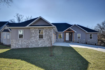 Nixa Single Family Home For Sale: 738 Rippling Creek Road