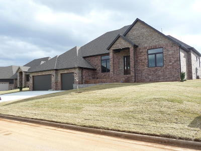 Nixa Single Family Home For Sale: 910 West Sole Drive
