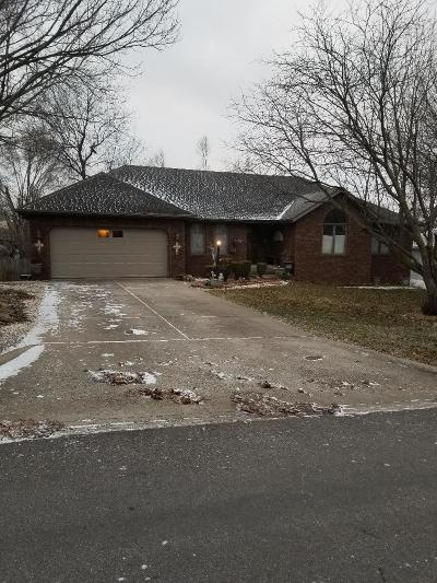 Springfield Single Family Home For Sale: 3756 West Kingsley Street