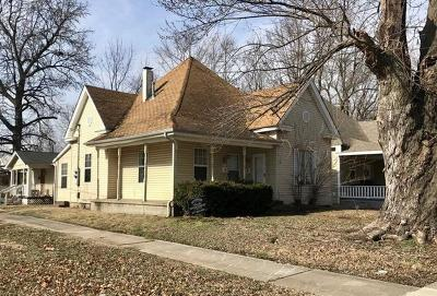 Springfield Multi Family Home For Sale: 1303 North Main Street
