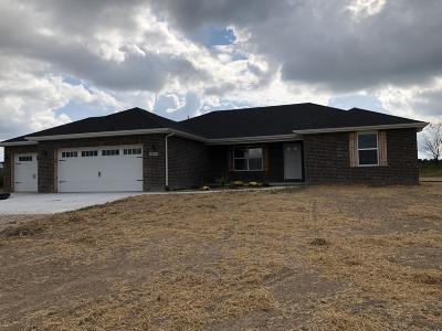Monett Single Family Home For Sale: 8835 Lawrence 2220