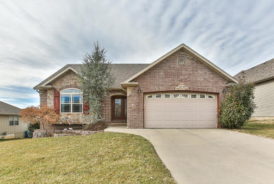 Nixa Single Family Home For Sale: 627 North Althea Avenue