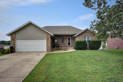 Springfield Single Family Home For Sale: 3719 North Farm Road 147