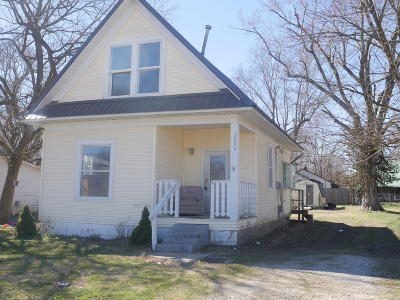 Cassville Single Family Home For Sale: 1006/1008 Harold Street