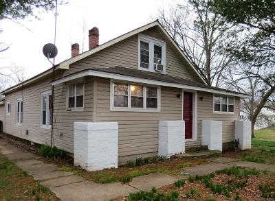 Single Family Home For Sale: 201 East 2nd Street