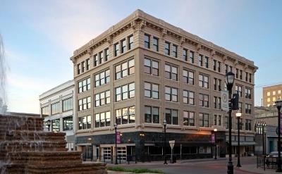 Commercial For Sale: 103 Park Central Square