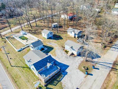 Single Family Home For Sale: 111 Kansas Avenue