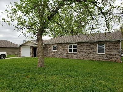 Nixa Single Family Home For Sale: 818 South Trail Point Court