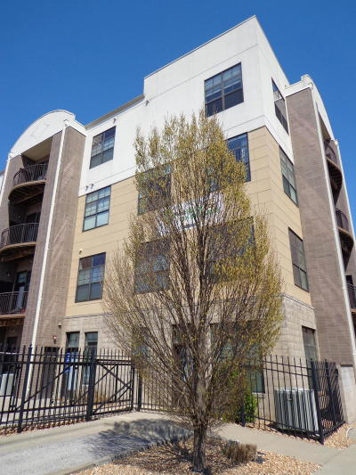 Springfield Condo/Townhouse For Sale: 623 West Walnut Street