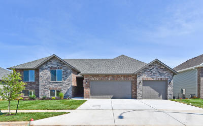 Single Family Home For Sale: 774 East Penzance Circle