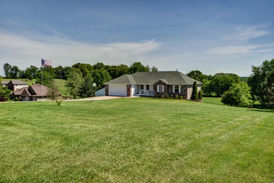 Nixa Single Family Home For Sale: 1052 West Sunny Slopes Drive