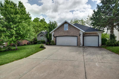 Nixa Single Family Home For Sale: 836 Brook Forest Road