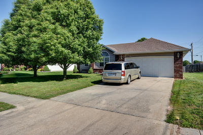Nixa Single Family Home For Sale: 1359 West Stone House Road