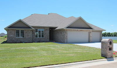 Springfield MO Single Family Home For Sale: $334,000