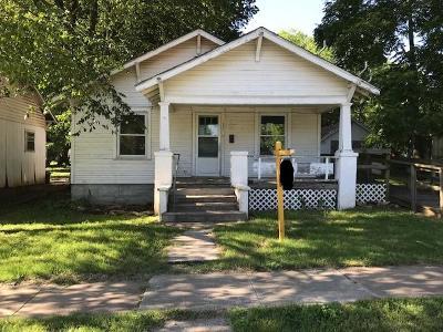 Aurora Single Family Home For Sale: 111 West Saint Louis Street