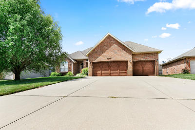 Springfield Single Family Home For Sale: 4501 East Pearson Meadow Drive