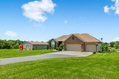 Nixa Single Family Home For Sale: 1211 South Hickory Lane
