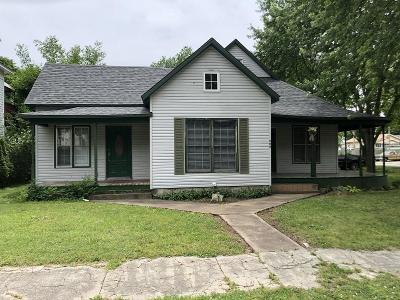 Aurora Single Family Home For Sale: 222 West Pleasant Street