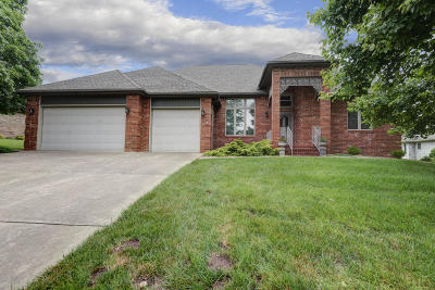 Springfield Single Family Home For Sale: 3625 East Kimberly Lane