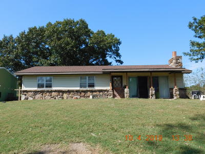 Cassville Single Family Home For Sale: 10318 Evergreen Drive