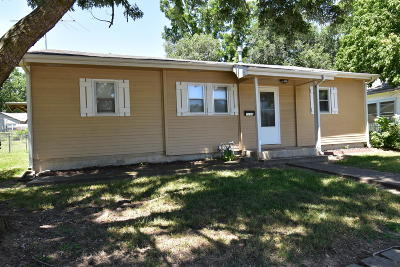 Cassville Single Family Home For Sale: 1110 Fair Street