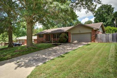 Springfield Single Family Home For Sale: 2904 South Barnes Avenue