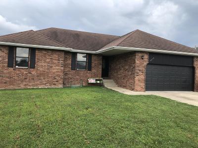 Nixa MO Single Family Home For Sale: $228,000
