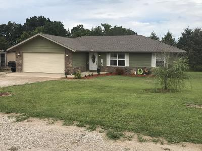 Cassville Single Family Home For Sale: 19353 Farm Road 1120