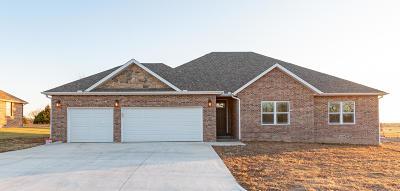 Monett Single Family Home For Sale: 16 Northport Drive