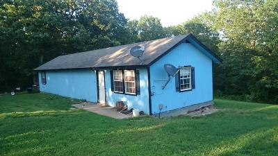 Pineville MO Single Family Home For Sale: $49,000