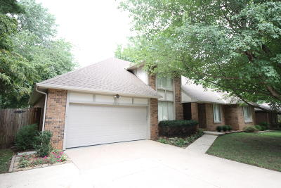 Springfield Single Family Home For Sale: 1667 East Vincent Drive