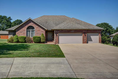 Single Family Home For Sale: 4903 North Fremont Road
