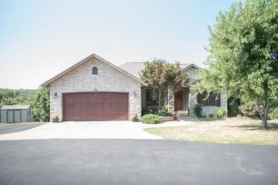 Reeds Spring Single Family Home For Sale: 484 Hidden Springs Lane