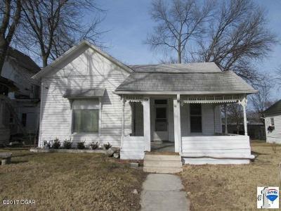 Jasper County Single Family Home For Sale: 407 E 4th