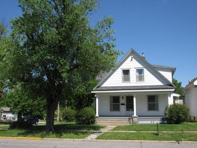 Jasper County Single Family Home For Sale: 1901 S Kentucky Avenue