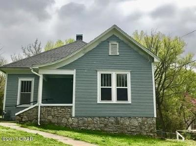 Newton County Single Family Home For Sale: 525 W Harmony Street