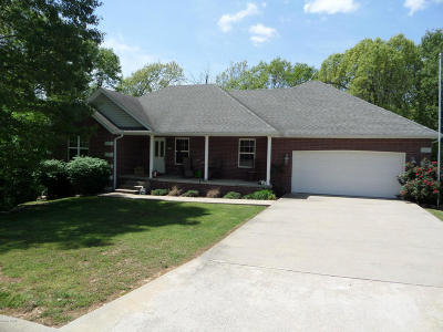 Newton County Single Family Home For Sale: 515 Breckenridge Street